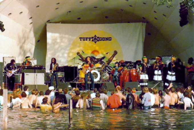 bob-marley-the-wailers-live-at-crystal-palace-park-in-south-east-london-during-the-uprising-tour